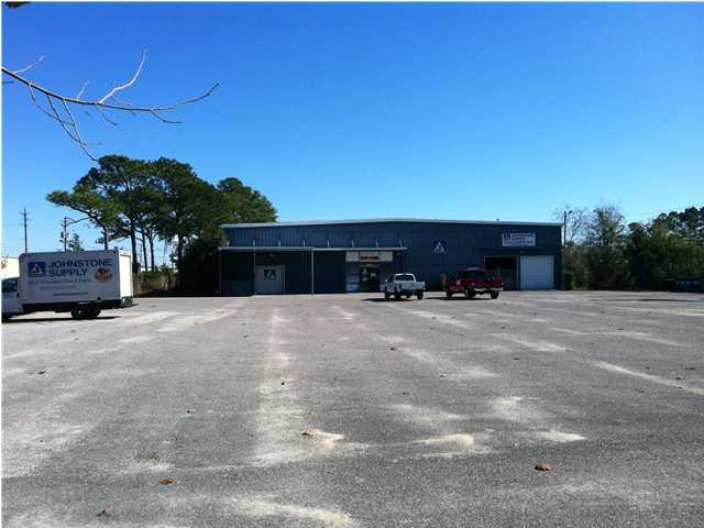 638 ANCHORS ST, FORT WALTON BEACH, FL 32548 (MLS # 566240)