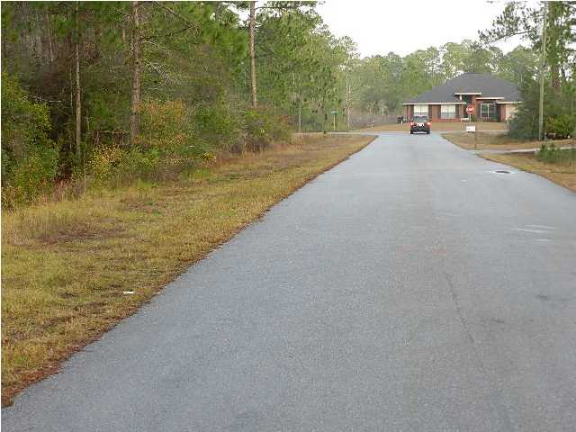 LOT 9 LEISURE ST, NAVARRE, FL 32566 (MLS # 568872)