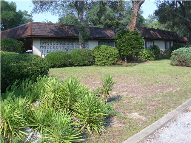 104 STAR DR, FORT WALTON BEACH, FL 32547 (MLS # 579924)