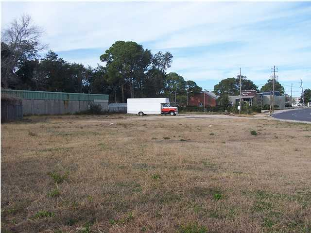 167 MIRACLE STRIP PKWY, FORT WALTON BEACH, FL 32548 (MLS # 588758)