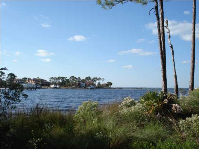 4324 BREAKWATER DR, DESTIN, FL 32541 (MLS # 591214)