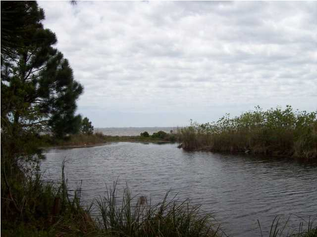 LOT 28 BAY COVE LN, SHALIMAR, FL 32579 (MLS # 594530)