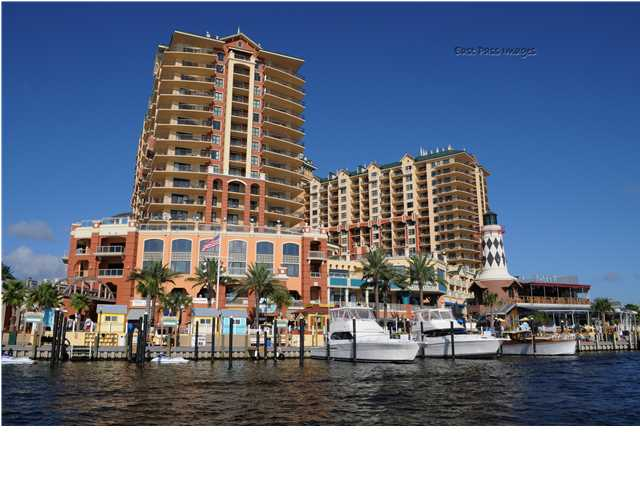 10 HARBOR BLVD, DESTIN, FL 32541 (MLS # 598342)