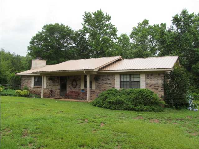 144 QUAIL RIDGE DR, DEFUNIAK SPRINGS, FL 32435 (MLS # 598608)