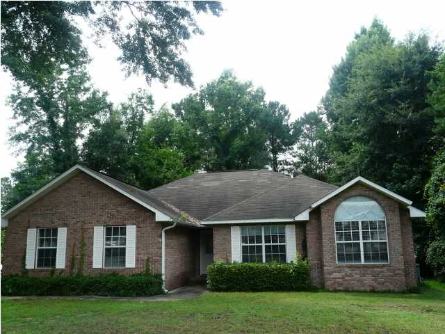 202 COUNTRY CLUB DR, CRESTVIEW, FL 32536 (MLS # 599706)
