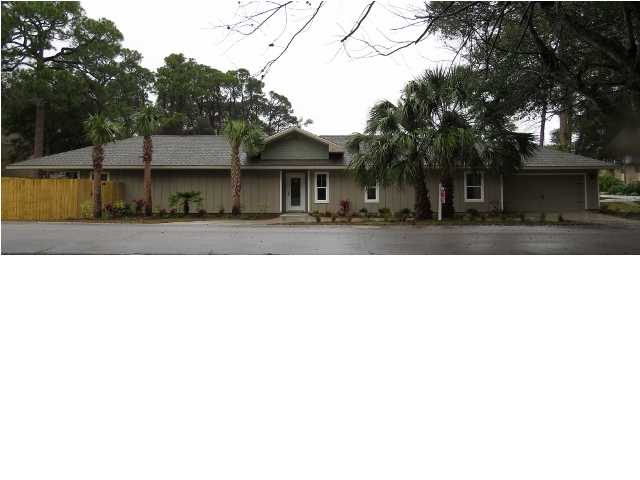 207 OAK ST, FORT WALTON BEACH, FL 32548 (MLS # 604247)