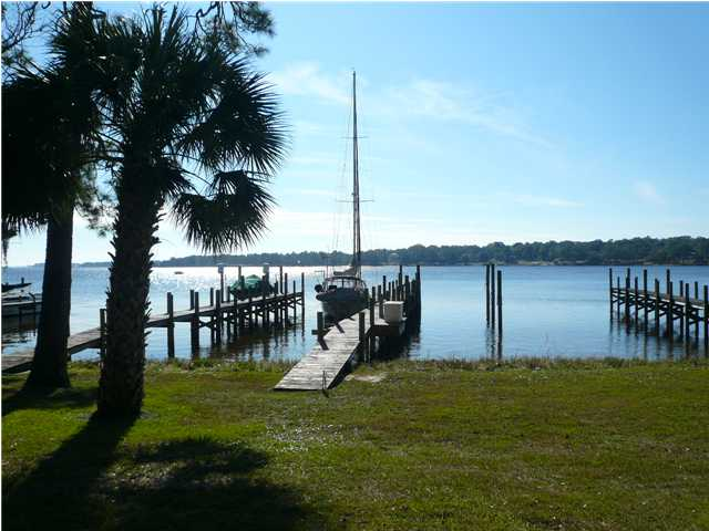 323 GRAND OAKS DR, NICEVILLE, FL 32578 (MLS # 607383)