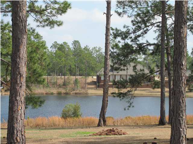16 SHORELINE CIR, DEFUNIAK SPRINGS, FL 32433 (MLS # 608914)