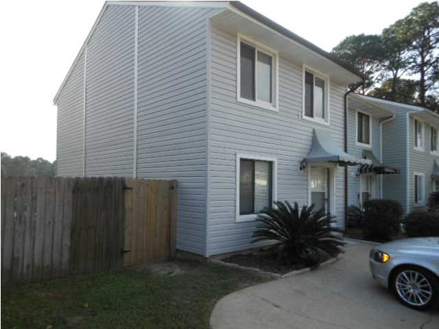 550 CLIFFORD ST, FORT WALTON BEACH, FL 32547 (MLS # 611400)