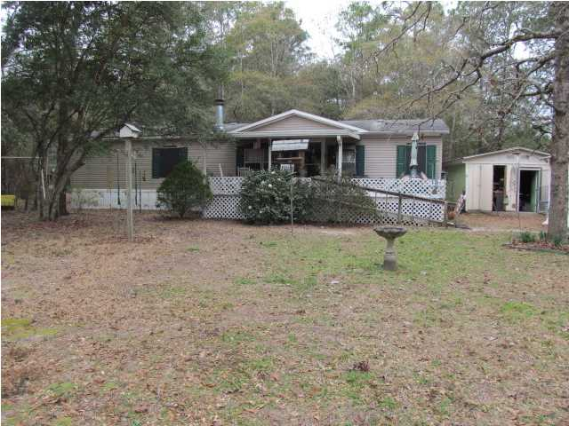 1075 JUNIPER LAKE DR, DEFUNIAK SPRINGS, FL 32433 (MLS # 611941)